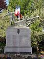 La Fère (Aisne) monument aux morts.JPG