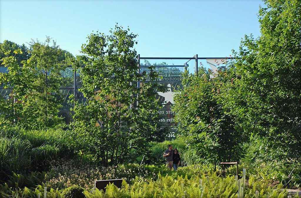 File le jardin du mus e du quai branly paris for Le jardin du quai