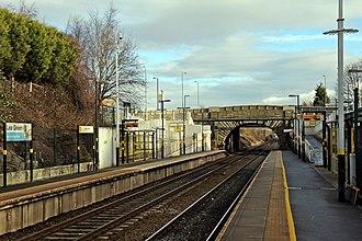 Lea Green railway station - Image: Lea Green railway station (geograph 3818915)