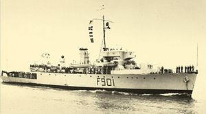 HMCS Wallaceburg (J336) - Georges Lecointe with unchanged main gun