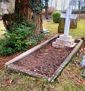 Mount Cemetery - Image: Lewis Carroll Grave 2015