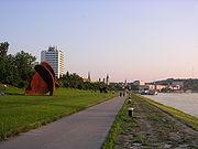 Donaulände von Osten fotografiert