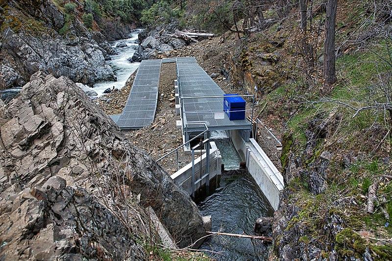 File:Lower Deer Creek fish passage project (40784062285).jpg