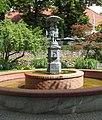 Luebz fountain Schirmkinder.jpg