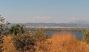 Lake Lysimachia - Image: Lysimachia Lake, Etoloakarnania, Greece View upon the lake with the city of Agrinio in the background