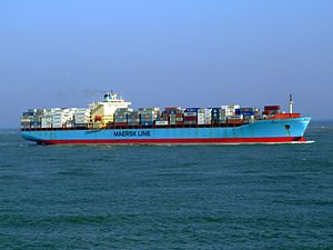 Maersk Mytilini p6 approaching Port of Rotterdam, Holland 01-Apr-2007.jpg