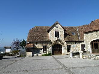 Castetner - The town hall of Castetner