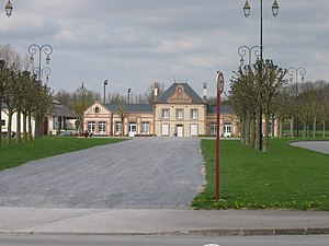 Asfeld - Town hall and square