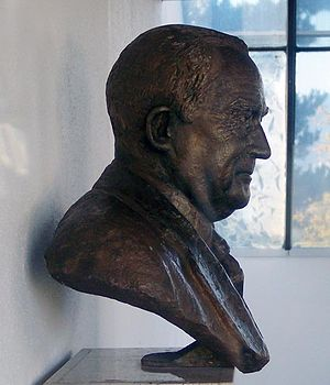 Elek Imredy - Bust of Major J.S. Matthews at the Vancouver Archives.