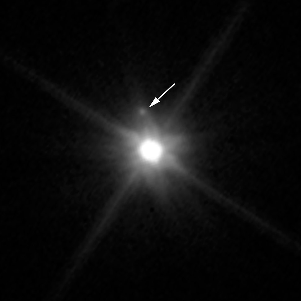Makemake moon Hubble image with legend (cropped)