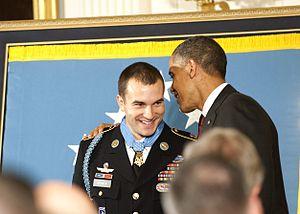 Sebastian Junger - Medal of honor recipient Sgt. Salvatore Giunta beside President Barack Obama