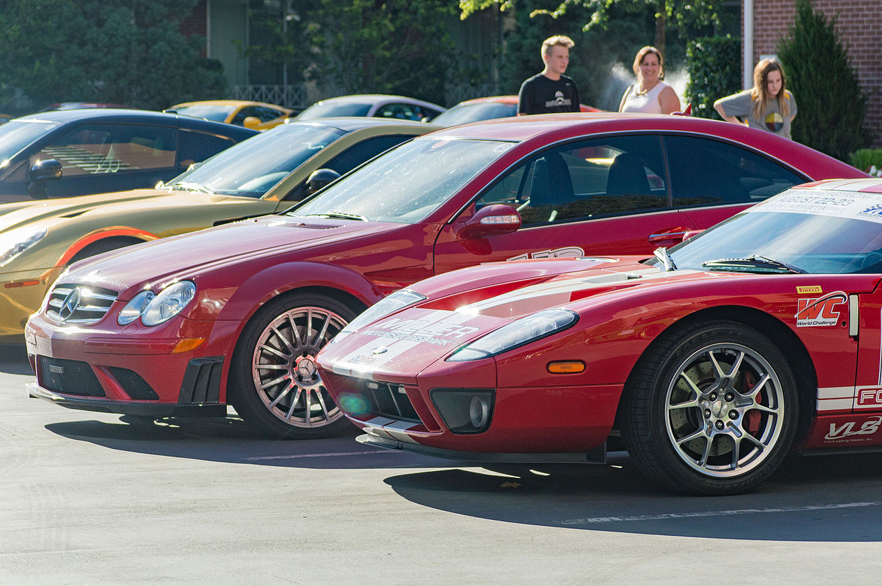 Filemercedes Benz Clk  Amg Black Series And Ford Gt Jpg