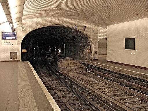 Metro de Paris - Ligne 1 - Porte Maillot 02