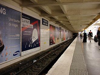 Strasbourg – Saint-Denis (Paris Métro) - Image: Metro de Paris Ligne 9 Strasbourg Saint Denis 01