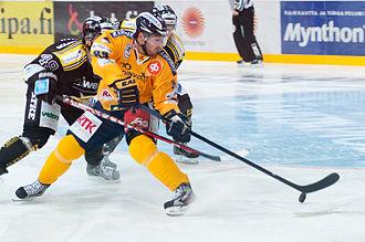 Mikkel Bødker - Bødker playing for Lukko in 2012.
