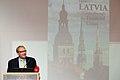 Ministru prezidenta VDombrovska un ekonomista A. Aslunda grāmatas atvēršana (5764505533).jpg