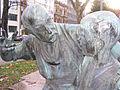 Moltke-Denkmal Düsseldorf, Schmied mit Knabe, 2011 (3).jpg