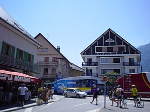 Morzine-downtown.jpg