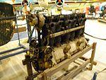 Museo Caproni, motore aeronautico 02.jpg