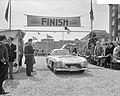Negende Internationale Tulpenralley 1957 . Aankomst Noordwijk, Bestanddeelnr 908-5726.jpg