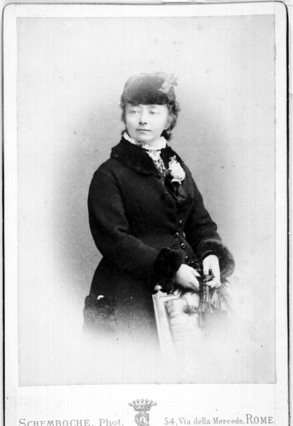 File:Nina Grieg portrait (5597209323).jpg