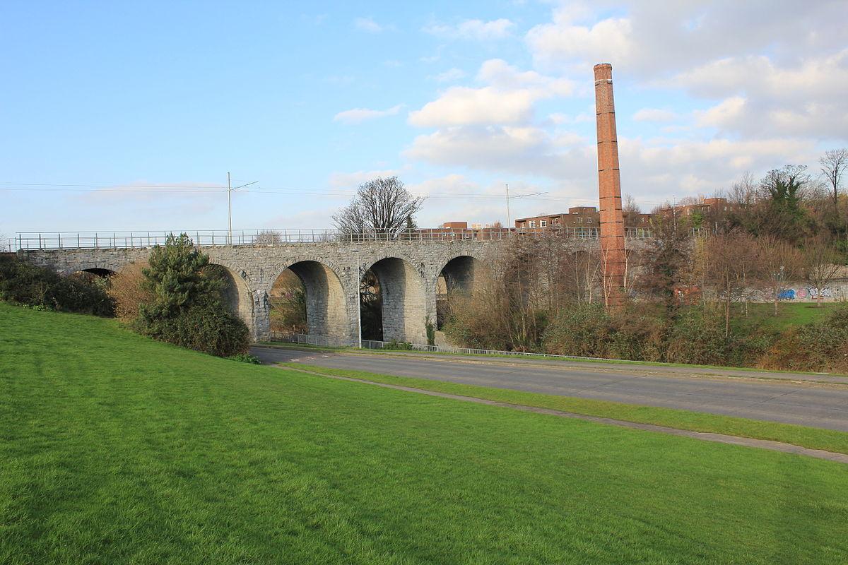 Nine Arches Bridge - Wikipedia