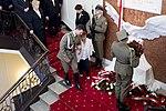 Odsłonięcie tablicy upamiętniającej Ofiary katastrofy smoleńskiej w Kancelarii Premiera (4).jpg