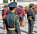 Orkiestra mongolskiej armii na placu Suche Batora w Ułan Bator 04.JPG