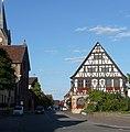 Ortsmitte mit altem Rathaus - panoramio.jpg