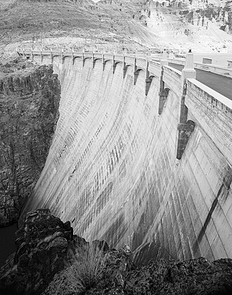Owyhee Dam - Top of the dam