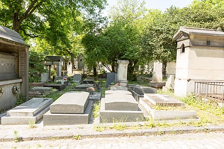 Père-Lachaise - Division 9 - chemin de l'ancienne porte 03.jpg