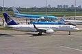 P4-MAS B757-2Q8-W Air Astana AMS 12MAY09 (6687102543).jpg