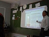 La profesora dando clases - 3 7