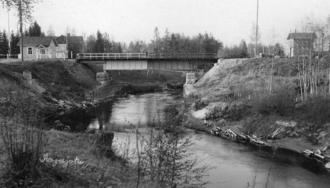 Sestra River (Leningrad Oblast) - A closer look at the border railway bridge