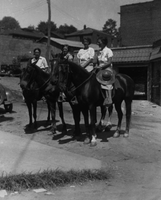 Pack Horse Library Project - Packhorse librarians ready to start delivering books