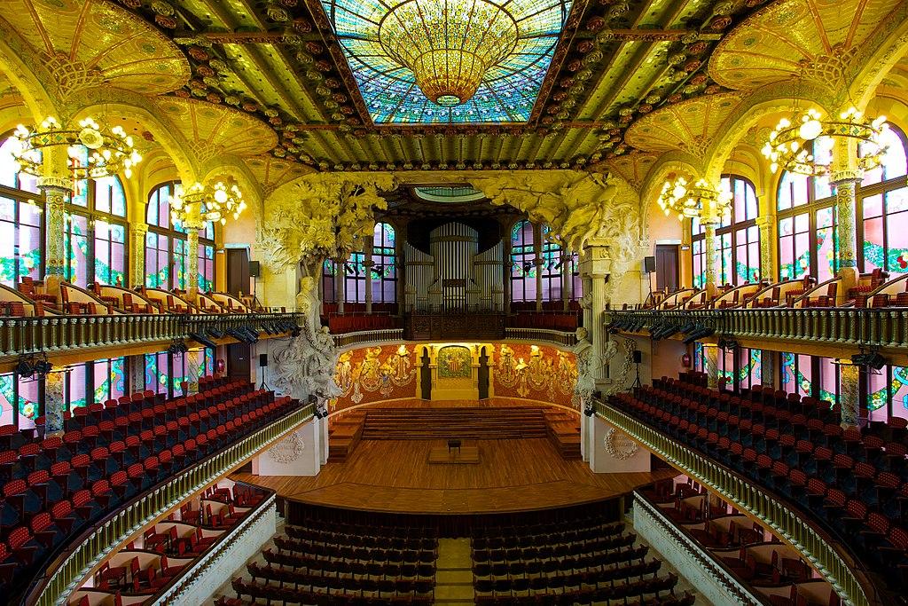 La splendeur art nouveau de la salle de concert du palais de la musique catalane à Barcelone. Photo de Jiuguang Wang.
