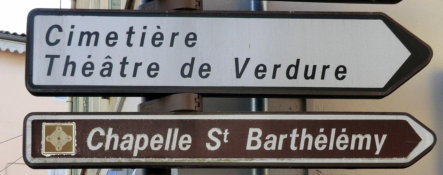 Panneau indicateur de la chapelle St Barthélémy de Montluel, Ain, France.