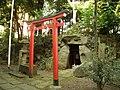 Passage Grave (羨道墳) of Tomizuka Tumulus (富塚古墳) in Mizu Inari Shrine (水稲荷神社) - panoramio.jpg