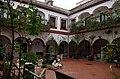 Patio del Hospital de Jesús Nazareno IMGP2419 (38923018370).jpg