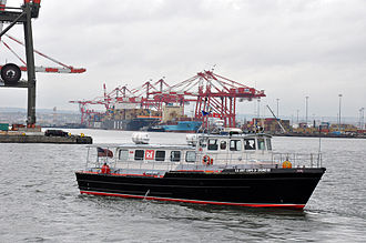 Port Newark–Elizabeth Marine Terminal - USACE patrol boat on Newark Bay