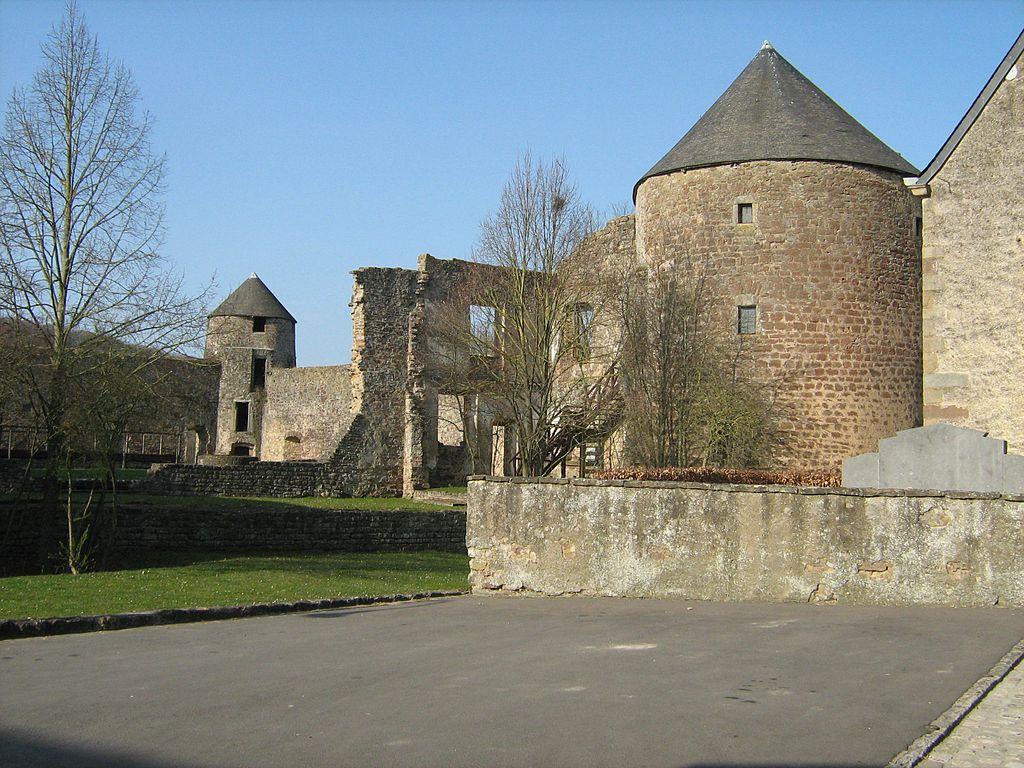 Pettingen Castle2
