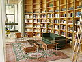 PikiWiki Israel 5501 library in avi-chai-house.jpg