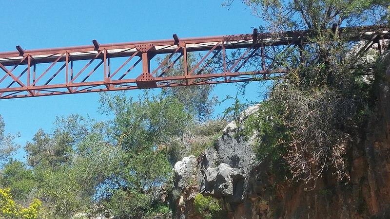 נחל שכווי הגשר האדום