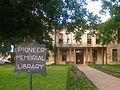 Pioneer Memorial Library Fredericksburg, Texas2.jpg