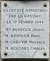 Plaque à la mémoire des résistants assasinés le 17-02-1944 à Vizille.jpg