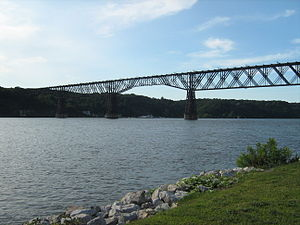 Walkway over the Hudson - Image: Pok Rail Bridge East