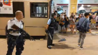 Police force prepare gun in Kwai Fong Station Bus Terminal 20190730.png