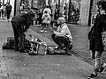 Policeman vs street artist Hamburg.jpeg