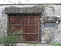 Porte charretière du cimetière de Picpus.jpg