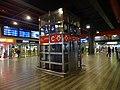 Praha hlavní nádraží, výtah z nového vestibulu na stanici metra.jpg